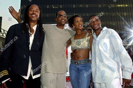 """DAVIDSON Getting together at a screening of """"Juwanna Mann"""" are, from left, director Jesse Vaughan and stars Miguel A. Nunez Jr., Vivica A. Fox and Tommy Davidson, at Grauman's Chinese Theatre in Los Angeles' Hollywood district"""
