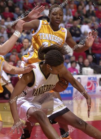 ANDERSON JACKSON Vanderbilt's Chantelle Anderson, front, loses the ball in front of Tennessee's Gwen Jackson, rear, during the first half of their NCAA Midwest Regional championship game, in Ames, Iowa