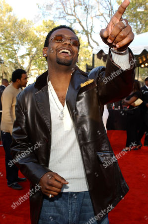 CARL THOMAS Singer Carl Thomas arrives at the 16th Annual Soul Train Music Awards in Los Angeles