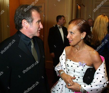 WILLIAMS STEEL Actor Robin Williams, left, and author Danielle Steel chat at Steel's Star Ball, in San Francisco to benefit the Nick Traina Foundation, founded by Steel as a legacy to her son, who lost his life to manic depression