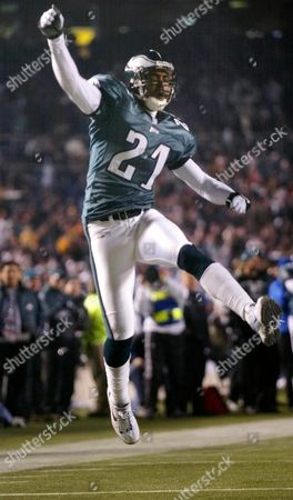 TAYLOR Philadelphia Eagles cornerback Bobby Taylor (21) celebrates after keeping the Tampa Bay Buccaneers from getting a first down on a third-down play in the second quarter against the Tampa Bay Buccaneers, in Philadelphia. Tampa Bay then kicked a field goal