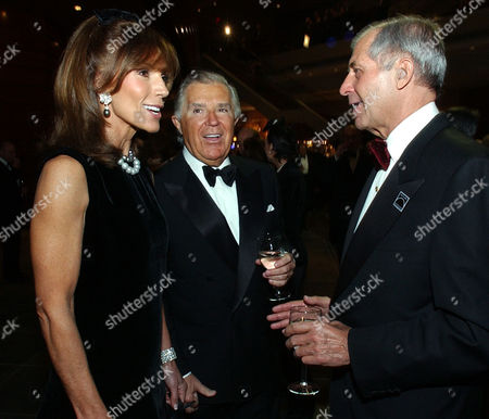 KIMMEL BUTERA Sidney Kimmel, center, and his wife Caroline, left, greet Richard J. Butera at the Gala Preview Concert at the Kimmel Center, in Philadelphia. The $265 million glass-and-brick Kimmel Center for the Performing Arts opened Friday night with a $5,000-per-ticket show headlined, at the request of benefactor Sidney Kimmel who gave $30 million, by Elton John