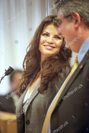"""YASMINE BLEETH ARRAIGNMENT Former """"Baywatch"""" star Yasmine Bleeth is flanked by her attorney Jerome Sabbota, during her arraignment, in Detroit. Bleeth pleaded guilty to one count of possessing less than 25 grams of a controlled substance, cocaine, and to driving while impaired. As part of a plea agreement, the actress would serve two years of probation, which includes a drug screening evaluation and regular drug tests"""