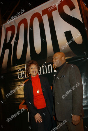 """MOODY BROWN Lynne Moody, left, and Georg Sanford Brown, original cast members of the landmark 1977 television series """"Roots,"""" pose together at a 25th anniversary celebration of the broadcast at the Academy of Television Arts and Sciences in North Hollywood, Calif"""