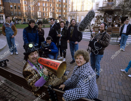 Cynthia Payne and Screaming Lord Sutch being filmed for 'First Night' - 1992