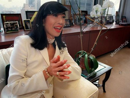 """JUNG Andrea Jung, CEO of Avon Products Inc., the world's leading direct seller of beauty products, in her New York office Friday, May, 4, 2001. Jung is helping rewrite Avon's business rules by launching its first retail brand, """"beComing,"""" this fall"""