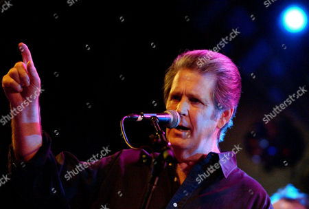 """BRIAN WILSON Singer Brian Wilson performs on stage at the 4th Annual Carl Wilson Foundation Benefit Concert at the El Rey Theatre, in Los Angeles, Calif., . Brian's brother Carl, the founder of the """"Beach Boys,"""" died from lung cancer in 1998"""