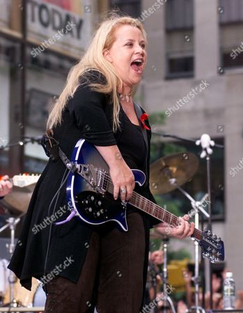 """CARPENTER Five-time Grammy winner Mary Chapin Carpenter performs on NBC's """"Today"""" show Summer Concert Series, in New York's Rockefeller Center"""