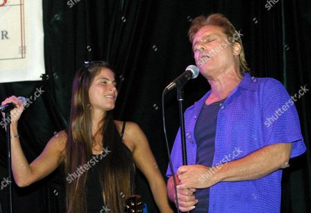 MANGANO BALIN Jefferson Starships' Marty Balin, right, performs alongside Diana Mangano during the 'Freedom Sings' benefit concert sponsored by the First Amendment Center in New York . A portion of proceeds from the concert will benefit the planned Folk Music Musuem in Greenwich Village
