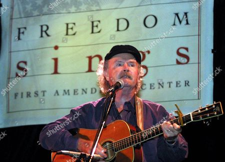 PAXTON Folk singer Tom Paxton performs during the 'Freedom Sings' benefit concert sponsored by the First Amendment Center in New York Weds. . A portion of proceeds from the concert will benefit the planned Folk Music Musuem in Greenwich Village