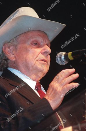 STANLEY Legendary musician Ralph Stanley accepts the Album of the Year award, at the 1999 International Bluegrass Music Awards in Louisville, Ky., for the Clinch Mountain Country album by Ralph Stanley and Friends