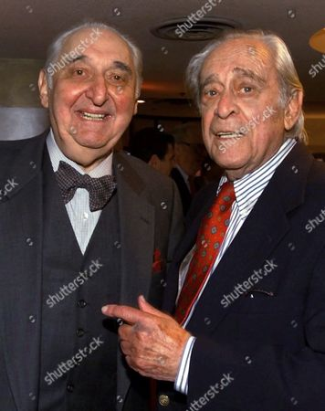 FINKEL NYE Actor and comedian Fyvush Finkel, left, and writer and comedian Louis Nye share a moment before a dinner for entertainment industry legend Carl Reiner, at the Friars Club of California, in Beverly Hills, Calif