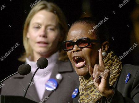 TYSON DEY Actress Cicely Tyson, right, speaks as actress Susan Dey, left, listens during a Gore/Lieberman rally at Oakland University in Rochester, Mich