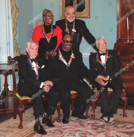BORGE The 1999 Kennedy Center honorees pose for photographers late at the Department of State in Washington. Back row from left: dancer and teacher Judith Jamison, actor Sean Connery; front row from left: actor Jason Robards, singer/songwriter Stevie Wonder and comedian and pianist Victor Borge