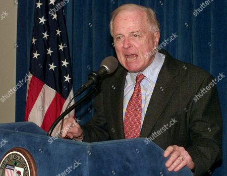 RIORDAN Los Angeles Mayor Richard Riordan criticizes the feuding between Police Chief Bernard Parks and District Attorney Gil Garcetti regarding the ongoing Rampart police corruption scandal, during a news conference in Los Angeles