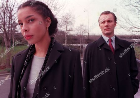 Stock Photo of 'In Defence' - Sophie Okonedo and Aiden Gillett - 2000