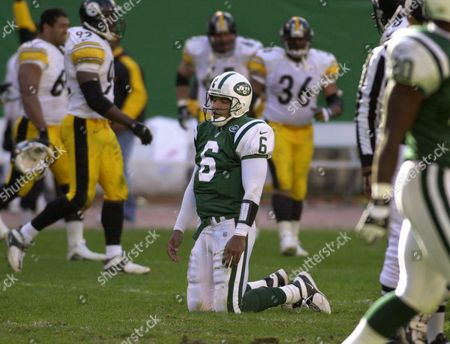 RAY LUCAS New York Jets quarterback Ray Lucas (6) reacts after he fumbled as he was hit from behind while attempting to throw a pass during the fourth quarter against the Pittsburgh Steelers at Giants Stadium in East Rutherford, N.J. . The Steelers, who recoverd the fumble, defeated the Jets 20-3