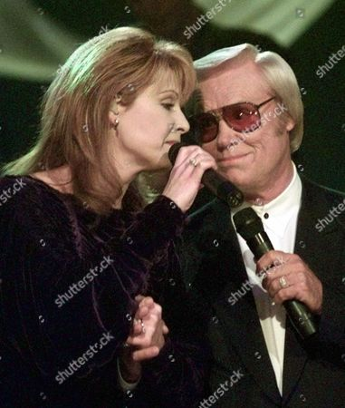 LOVELESS JONES Patty Loveless and country music legend George Jones perform a duet at the Country Music Association Awards Show in Nashville, Tenn. on