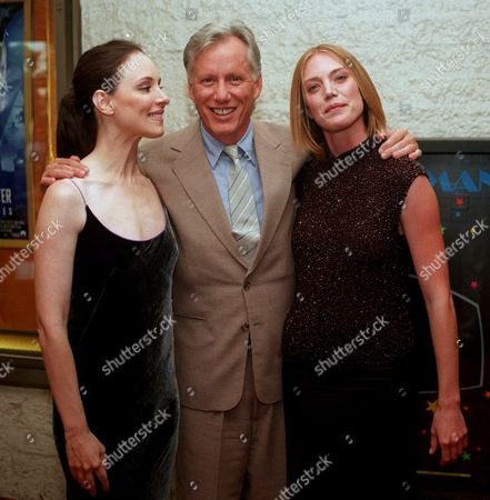 "STOWE WOODS STEFANSON Actors Madeleine Stowe, left, James Woods and Leslie Stefanson pose for a photograph at the world premiere of ""The General's Daughter"", in Los Angeles. The Paramount Pictures film is benefiting ""Stop Cancer,"" which directly funds research scientists at Los Angeles' two National Cancer Institutes"