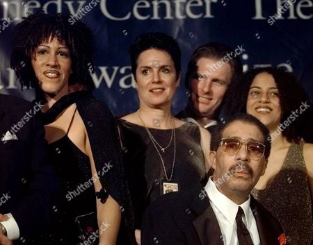 PRYOR STORDEUR Comedian Richard Pryor, lower right, poses with family members (L-R) Rain Pryor, daughter, ex-wife Jennifer Lee, son-in-law Jerry Stordeur, and daughter Elizabeth Pryor at the Kennedy Center, in Washington. Pryor was honored by the Kennedy Center with the Mark Twain Prize. Stordeur is married to Elizabeth Pryor