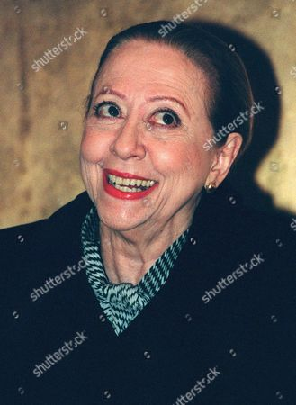 """MONTENEGRO Brazilian actress Fernanda Montenegro, who starred in the movie """"Central Station,"""" smiles during a photo session in New York, after Oscar nominations were announced. Montenegro received a best actress nomination along with Cate Blanchett of """"Elizabeth,"""" Gwyneth Paltrow of """"Shakespeare in Love,"""" Meryl Streep of """"One True Thing"""" and Emily Watson of """"Hilary and Jackie"""