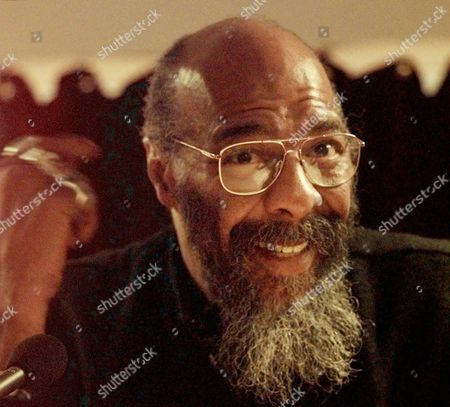 HAVENS Singer-songwriter Richie Havens speaks during a news conference, in New York, to announce the first annual Native American Music Awards. The awards will presented May 24, 1998, at Foxwoods Resort Casino, located on the Mashantucket Pequot Reservation in Mashantucket, Connecticut. Havens, who will be a presenter at the ceremony, said his grandparents were native Americans