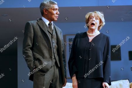Peter Francis James as Oscar and Maggie Smith as Elizabeth