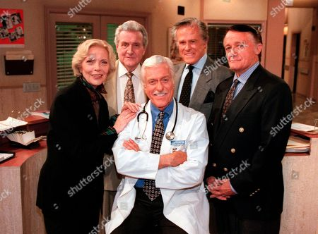 """Robert Macnee CULP VAUGHN Dick Van Dyke, center, poses with his guest stars, from left, Barbara Bain, Patrick Macnee, Robert Culp and Robert Vaughn, on """"Diagnosis Murder"""" during a break on the set of the CBS series in the Van Nuys section of Los Angeles. Macnee, star of the 1960s TV series """"The Avengers,"""" has died at age 93. His son Rupert said in a statement that Macnee, died, at his home in Rancho Mirage"""