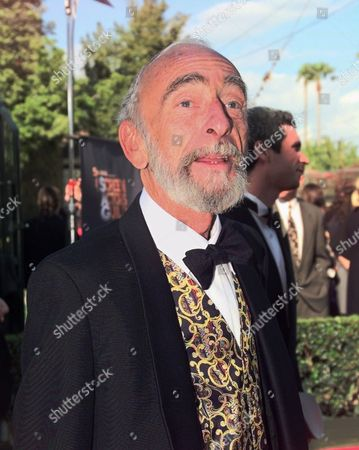 "DAVID KELLY Actor David Kelly from ""Waking Ned Divine"" poses for photographers upon arriving at the Fifth Annual Screen Actors Guild Award show at the Shrine Auditorium in Los Angeles, . Kelly is nominated for ""Outstanding Performance by a Male Actor in a Supporting Role"