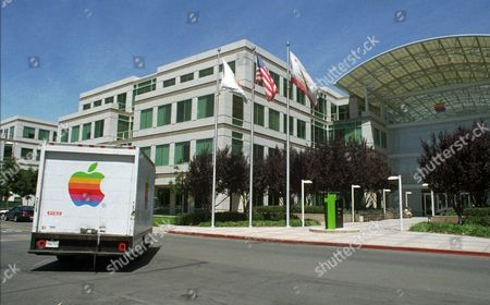 GIL AMELIO An Apple Computer Inc. truck turns in front of Apple headquarters in Cupertino, Calif., . Apple announced on Wednesday that the embattled chief executive Gil Amelio has resigned
