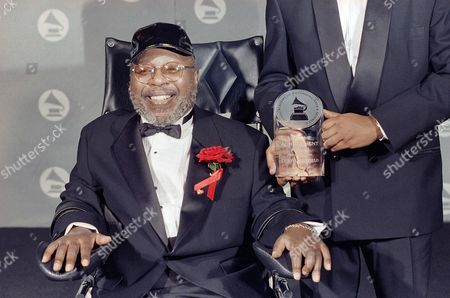 Curtis Mayfield Chicago soul music pioneer Curtis Mayfield is honored with the Recording Academy's 1994-'95 Lifetime Achievement Award, during the 37th annual Grammy Awards at the Shrine Auditorium in Los Angeles