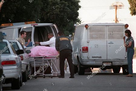 HEMINGWAY Coroners Office personnel load up the body of 41-year-old actress-model Margaux Hemingway outside her apartment on Fraser St. in Santa Monica, Calif., . Hemingway's body was discovered by workers earlier on Monday, after concerned friends had not heard from her since last Friday