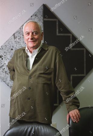 "JAMES IVORY 20--Film director James Ivory is photographed at Warner Bros., headquarters in New York on . His newest movie, ""Surviving Picasso,"" is about the 10-year affair the great artist had with Francoise Gilot, an aspiring painter. Ivory's 35-year association with producer Ismail Merchant makes the Guinness Book of World Records as the longest-lasting filmmaking team in cinematic history"