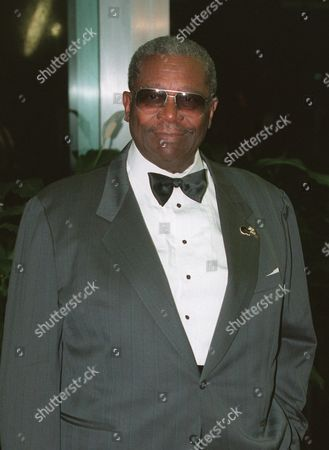 B.B. King enters the State Department for a reception and dinner Saturday night in Washington as part of the festivities for the Kennedy Center Honors of 1995. Jacques D'Amboise, Marilyn Horne, King, Sidney Poitier and Neil Simon are to be given national recongnition at the 18th Annual Celebration of the Performing Arts at the Kennedy Center on Sunday, Dec. 3