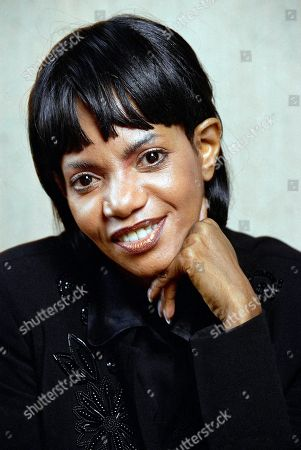 """Melba Moore, shown in New York, turns to the entertainment scene with a new autobiographical one-woman show and a role on Broadway in """"Les Miserables,"""" . Moore, who has survived a failed marriage, bankruptcy and going on welfare, appeared in the original production of """"Hair"""" in the 1960s, won a Tony Award for """"Purlie,"""" and pursued a successful recording career"""