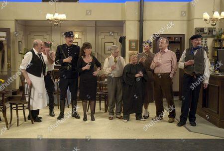 The cast in rehersal, Gorden Kaye, Arthur Bostrom, Vicki Michelle, Robin Parkinson, Sue Hodge, Kirsten CookeÊ, Nicholas Frankau, John D Collins.