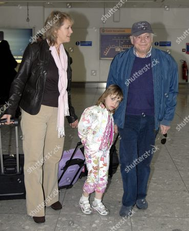 David Jason with daughter Sophie May and girlfriend Gill Hinchcliffe flying to America for a holiday