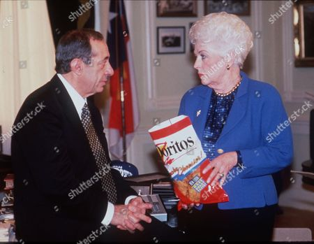 CUOMO RICHARDS Former Governors Mario Cuomo of New York and Ann Richards of Texas are shown in a Doritos Super Bowl television ad in this 1995 photo