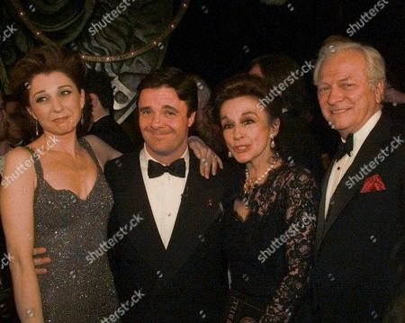 LANE Donna Murphy, Nathan Lane, Zoe Caldwell and George Grizzard, left to right, Tony winners for Leading Actor and Actress in a Play and Musical pose on stage after the 50th Annual Tony Awards in New York