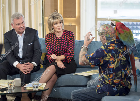Eamonn Holmes and Ruth Langsford with Ted Parrot Man Richards