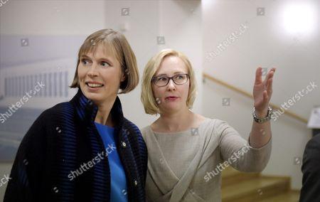 Estonian president Kersti Kaljulaid (l.) and Speaker of Parliament Maria Lohela (r.) meet in the Finnish Parliament
