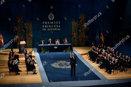Richard Ford Richard Ford of US waves after receiving the Princess of Asturias Literature award from Spain's King Felipe VI at a ceremony in Oviedo, northern Spain