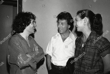 """Dustin Hoffman, Lisa Hoffman, Chip Zien Dustin Hoffman, left, and his wife Lisa chat with Chip Zien, right, after a performance of """"March of the Falsettos"""" at playwrights horizons in New York . Zien is one of the performers who appears in the show"""