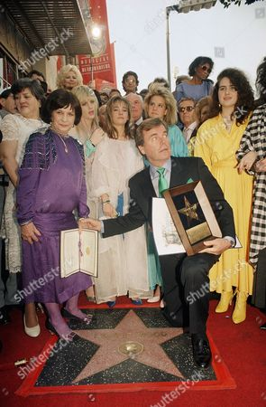 Robert Wagner, Maria Gurdin, Natasha Gregson, Cortney Wagner Actor Robert Wagner holds the hand of Maria Gurdin, mother of the late Natalie Wood, during ceremonies on in Hollywood, Los Angeles, honoring the late actress with a star on the ?Walk of Fame.? Behind them is his daughter Katie, 22 (left), Miss Wood?s daughter Natasha Gregson, 16 (center) and Wagner and Miss Wood?s daughter Courtney Wagner, 12. The ceremony began a day in which the film capital will celebrate its 100th birthday