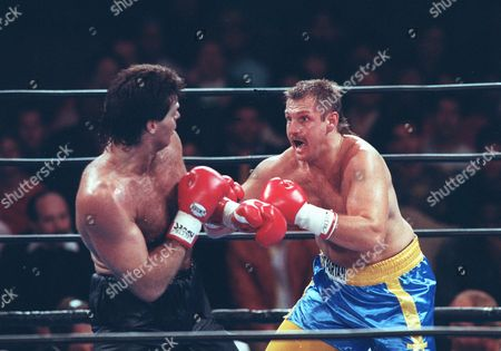 ANDERSON GASTINEAU Ex-football player turned boxer Mark Gastineau trades blows with Tim Anderson of Orlando, Fl. June 9,1992, during a bout in Orlando. Gastineau was knocked out, losing for the first time in ten fights