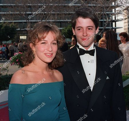 BRODERICK,GREY Actor Mathew Broderick poses in March 1987 with Jennifer Grey, the actress daughter of actor Joel Grey