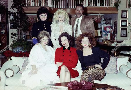 Dolly Parton, Jean Smart, Dixie Carter, Annie Potts Singer and actress Dolly Parton, top center, joins the cast of ?Designing Women? for the New Year?s Day episode of the show airing on CBS, taping at the Burbank Studios, in Burbank, California. Flanking Parton from left are show costars Delta Burke and Meshach Taylor with seated left to right, Jean Smart, Dixie Carter and Annie Potts