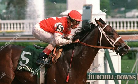 JR Houston, with jockey Laffit Pincay Jr. in the saddle, passes the finish line to win the Derby Trial race April 29,1989 at Churchill Downs, Louisvile, Ky. Houston won this, the last Derby prep race, by some five lengths