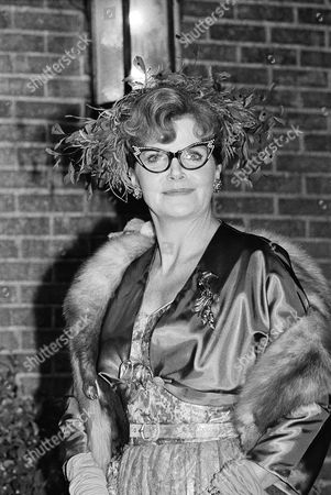 "Eileen Brennan poses for photographers on the set of the film version of the popular board game ""Clue,"" at the Paramount Studios in the Hollywood section of Los Angeles. Brennan plays Mrs. Peacock"