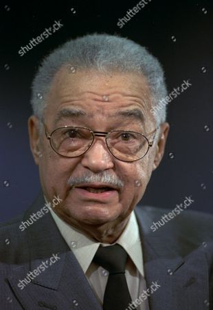 COLEMAN YOUNG Detroit Mayor Coleman R. Young, 74, talks with newsmen Feb.11,1993 in his office in Detroit. He said he would like to cordon off sections of Detroit in the search for guns, but said he does not know how to do it legally